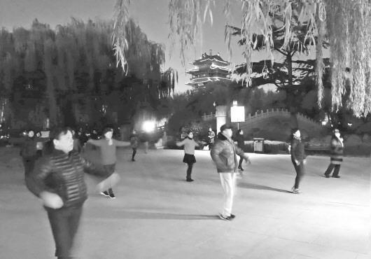 山东一派出所拟推积分管理广场舞 不合格或被清理