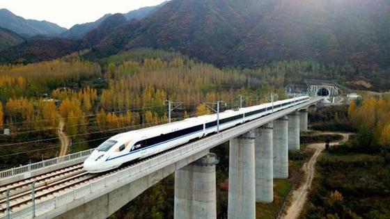 新媒:中国铁路里程3年后增至15万公里