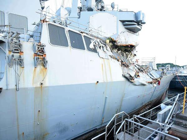 旧伤未好添新伤 美受损驱逐舰又被运输船撞坏