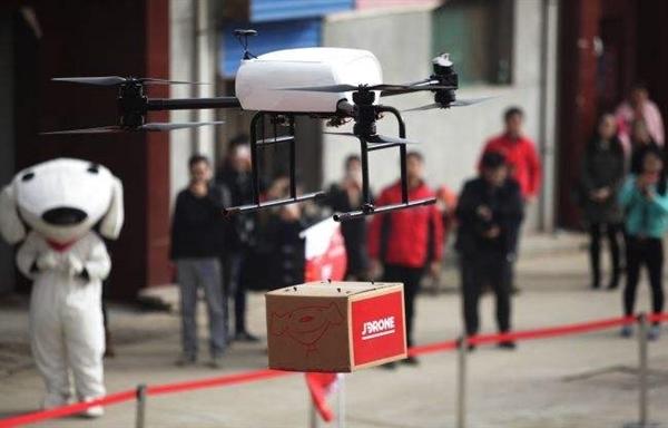 刘强东:京东无人机可用来喷洒农药 造福农民
