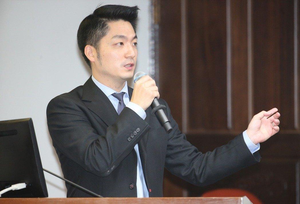 姚立明:蒋万安会像柯文哲一样吸引民进党支持者