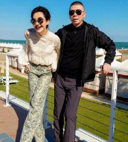 许晴冯小刚真实关系揭晓 48岁许晴不结婚原因竟是这样