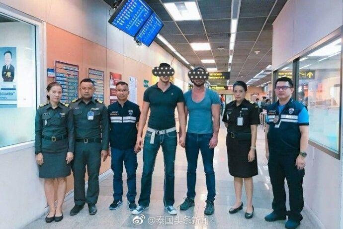 美国男子在泰国寺庙露臀拍照 泰国网友炮轰:滚出泰国(图)