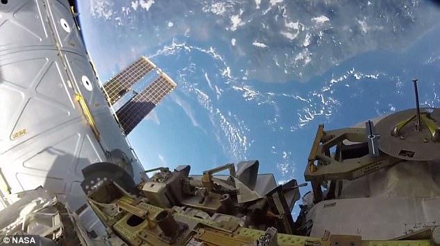 震惊!NASA宇航员公开从太空拍摄地球罕见景象