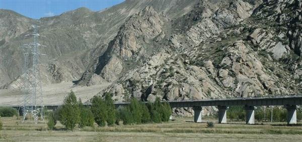 世界最难!川藏铁路拉萨-林芝段主体完工
