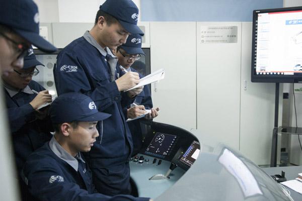 探访南京动车段实训基地 运用1:1动车模型现场教学