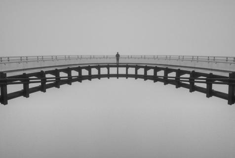 黑与白的奇特光影 美摄影师专注极简摄影