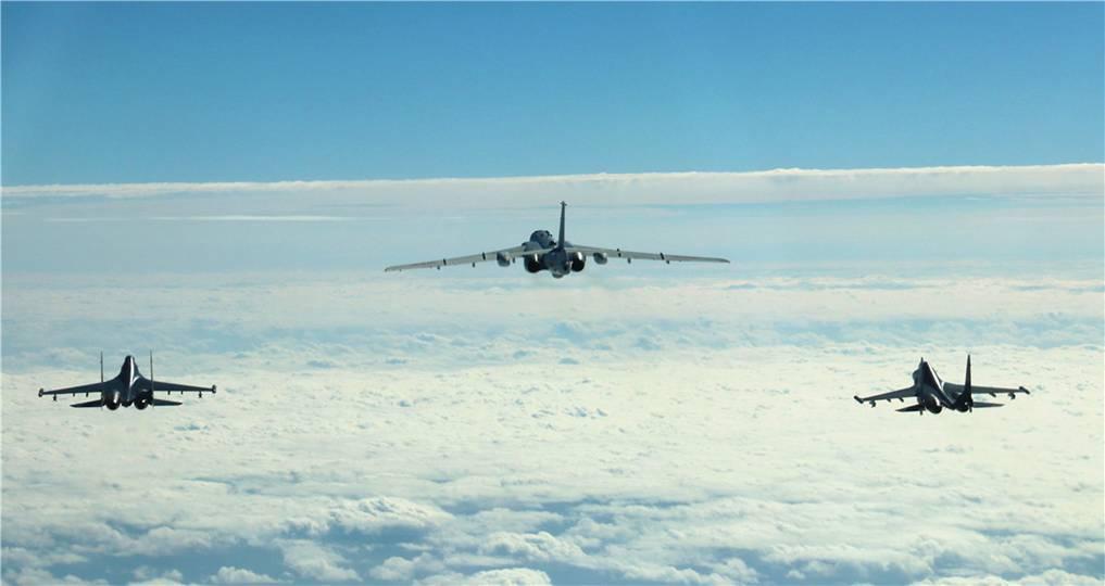 国防部谈空军远海训练:没锁链能够锁住中国