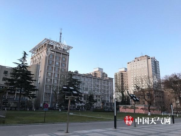 北京度过入冬来最冷白天 周末最高温回升至7℃