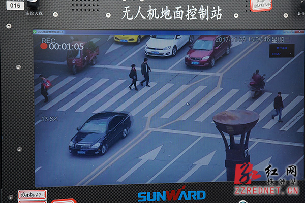 株洲:无人机抓拍不礼让斑马线行为