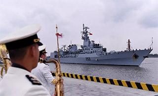 回娘家:巴购华F22P护卫舰访上海