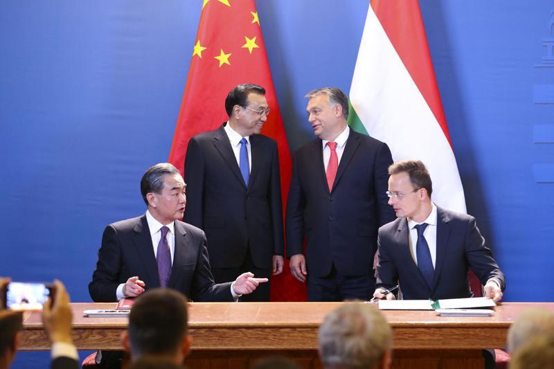 匈塞铁路开工:中国铁轨铺进中东欧