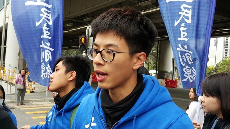"""""""旺角暴乱""""始作俑者黄台仰疑似弃保投英 被香港警方通缉"""