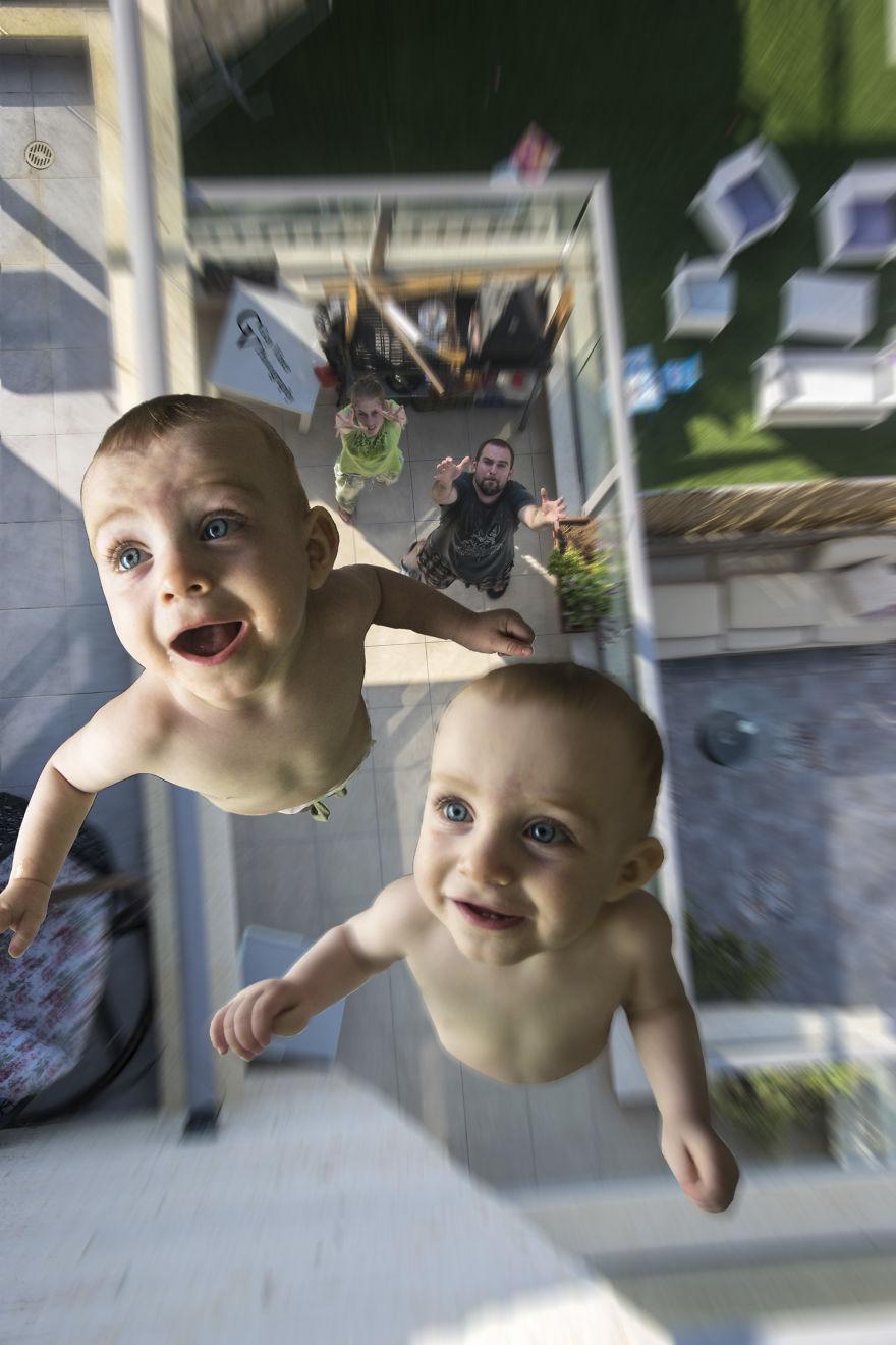 写真家、双子の息子のおもしろ写...