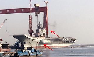 国产航母烟囱冒出黑烟或测试主机