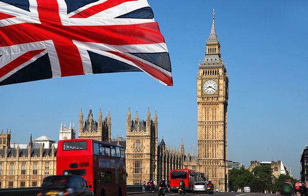 """英国""""脱欧""""公投影响初现 净移民人数大减"""