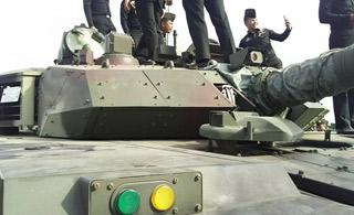 泰国公开展示中国制造VT-4坦克 十分满意