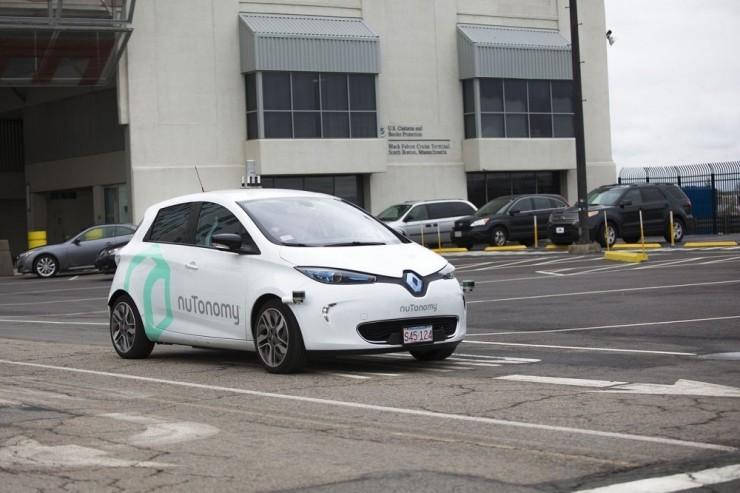 自动驾驶汽车进入新阶段:多家公司进行载客测试