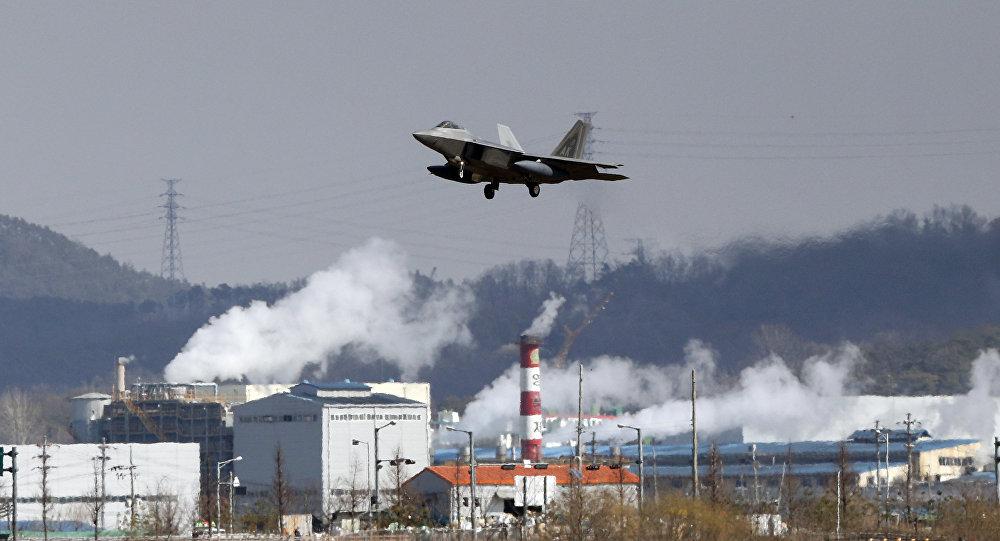 尴尬!美韩军演刚开始一架F22战机就出现故障