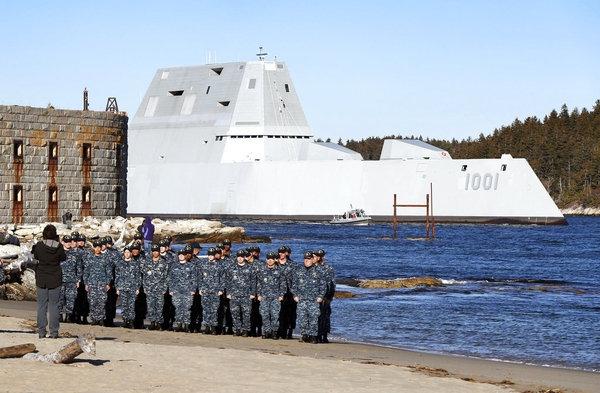美国海军第二艘DDG1000科幻战舰首次海试