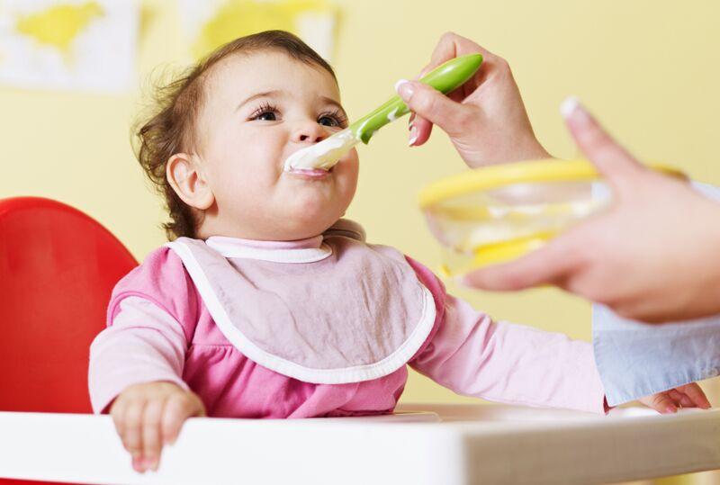 研究:儿童肥胖与睡眠无规律和不吃早餐有关