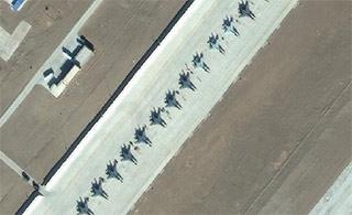 42架战机一排同框卫星照气势如虹