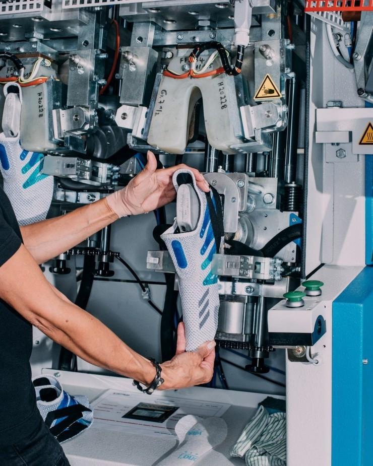 揭秘阿迪达斯机器人工厂 是否只是个情怀故事?