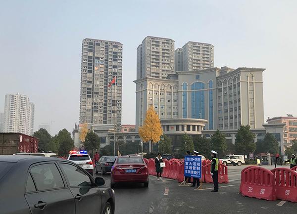衡阳原书记李亿龙涉四罪受审:曾被批享乐奢靡,搞权色交易