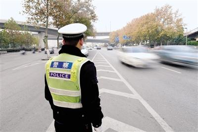 河南18省辖市限行机动车 专家详解汽车污染
