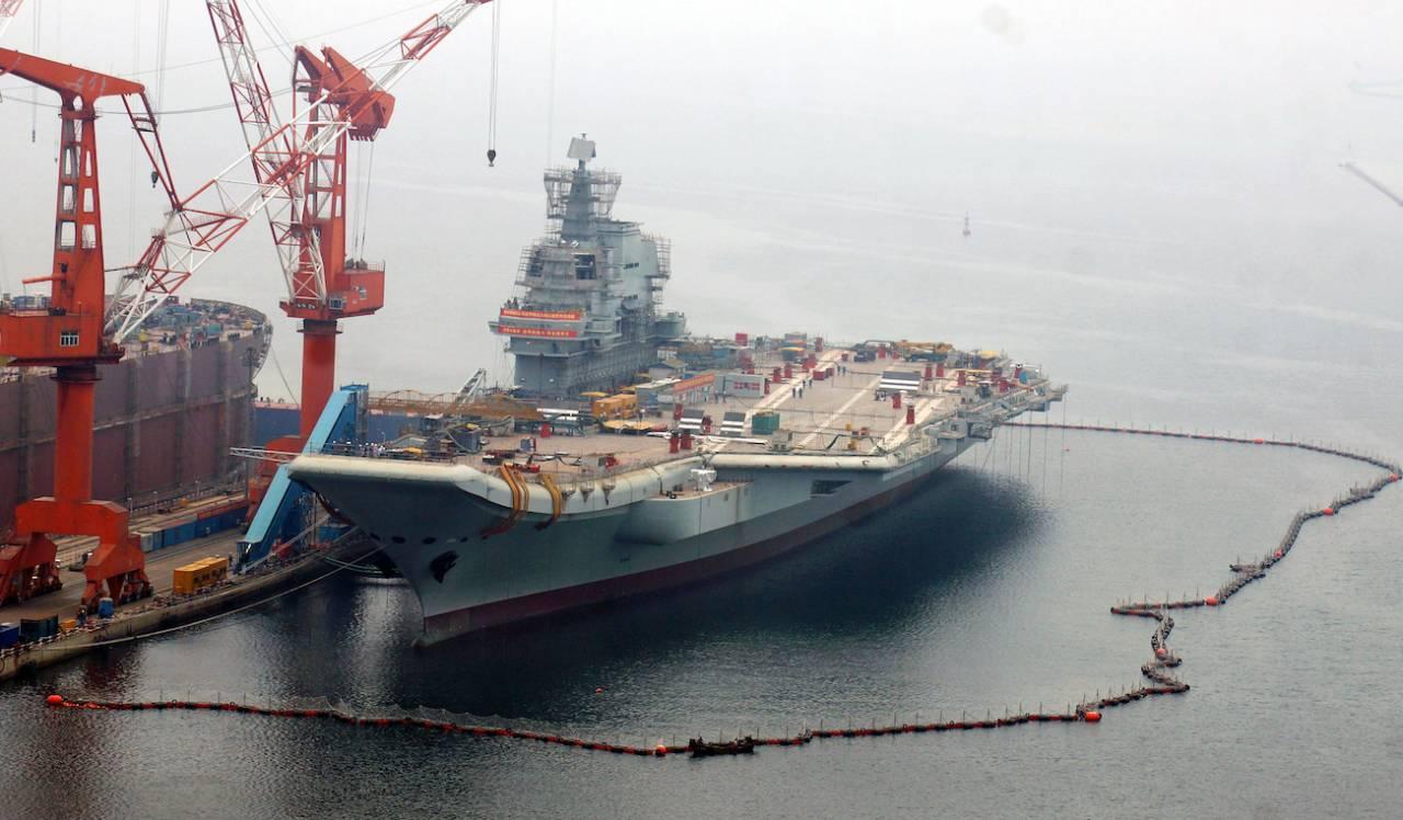 首艘国产航母进入最后试验 与辽宁舰有何不同?