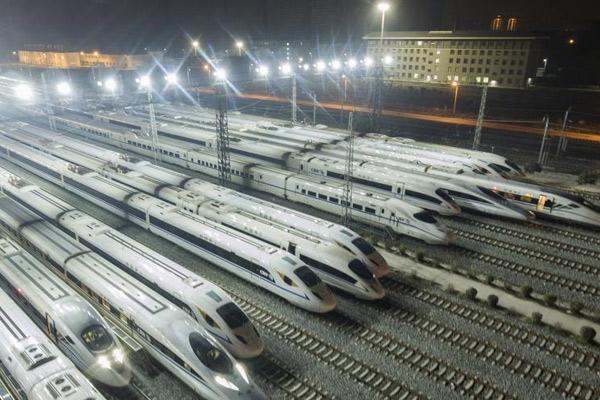 西成高铁今日开通 动车组列车整装待发