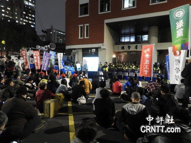 "m88.com深夜突袭表决 ""劳基法""修正案初审过关"