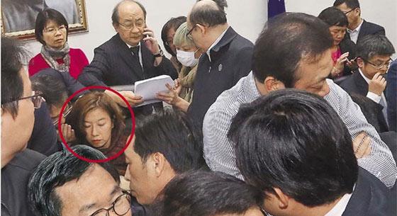 """民进党深夜突袭表决 """"劳基法""""修正案初审过关"""