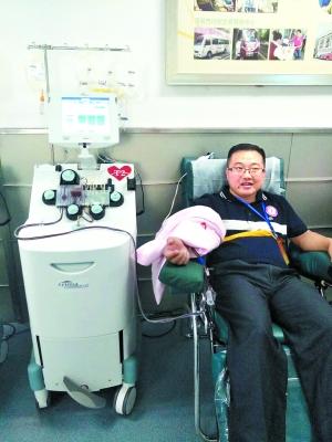 献血达人18年无偿献血4.5万毫升 次数超110次