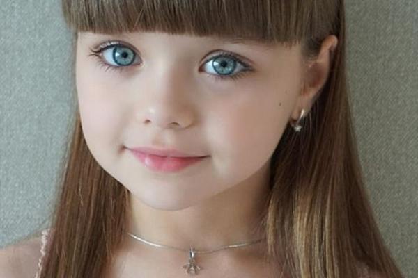 俄六岁小模特被赞世界最美女孩 粉丝达50万
