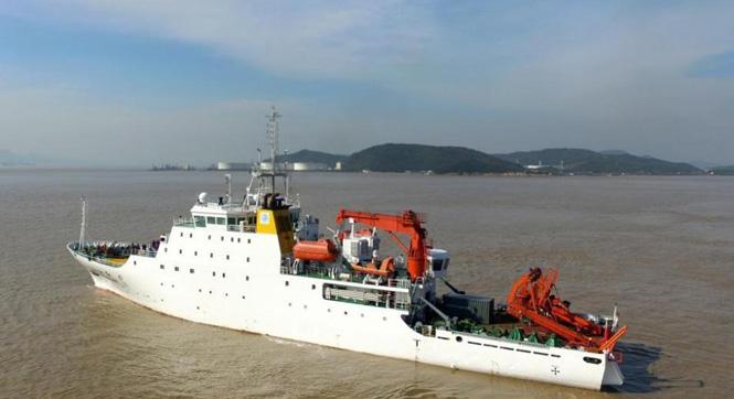 """""""向阳红10""""科考船执行中国大洋科考第49航次任务"""