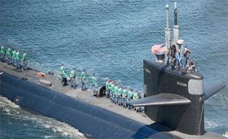 美军达拉斯号核潜艇正式退役