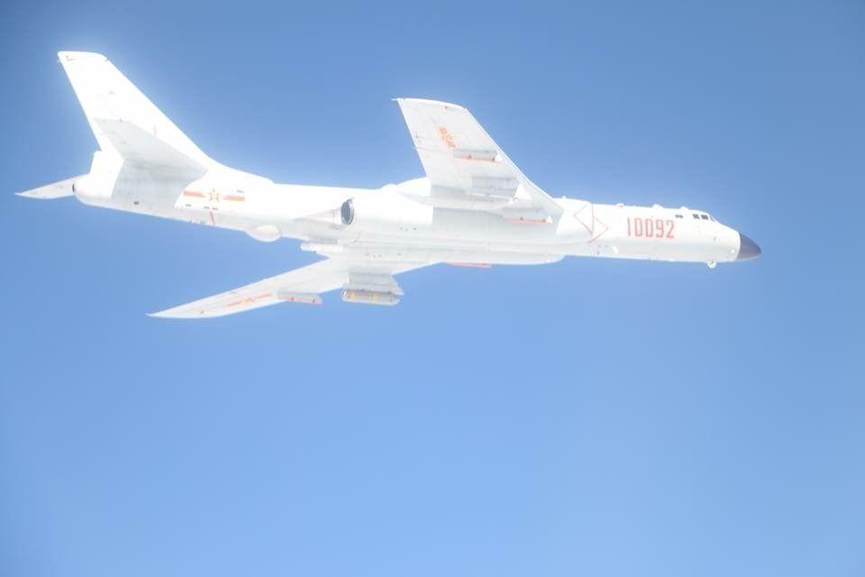 """台出动F16紧""""拦截""""大陆军机被呛:立即离开!"""