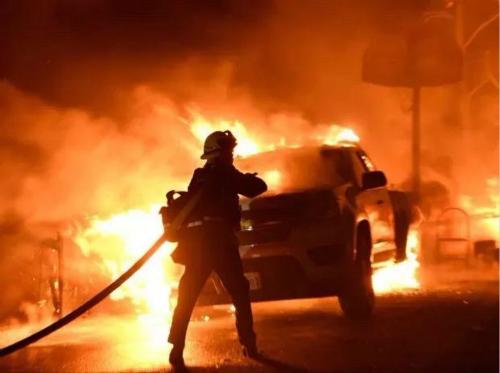 加州大火遮天蔽日洛杉矶告急 中国留学生心慌想回国