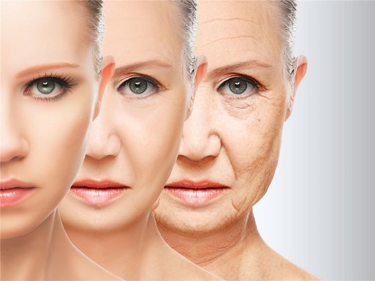 女生面部肌肤的日常护理该如何进行?