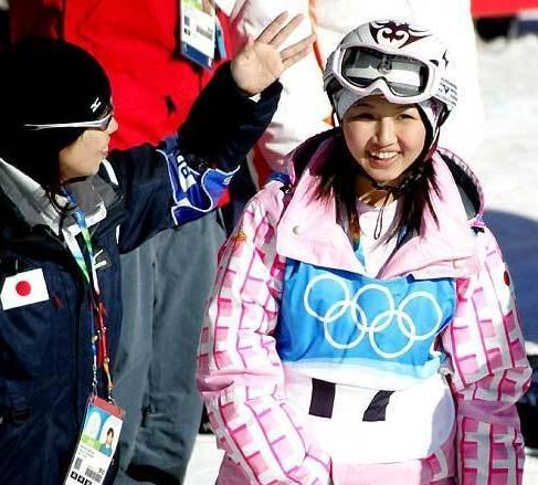 日本滑雪女神奥运会失利后自甘堕落:年纪太小太天真