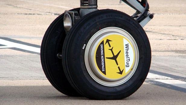 自行驾驶的前轮使飞机在停机坪上滑行时间变短