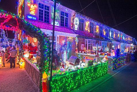 英国最具圣诞氛围街道 个性设计眼前一亮