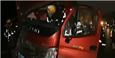 儿子开车玩手机 母亲不幸车祸遇难
