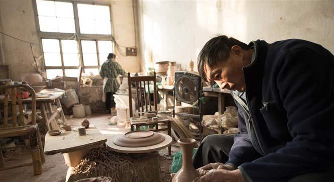 郦越宁:小楼里的烧瓷人