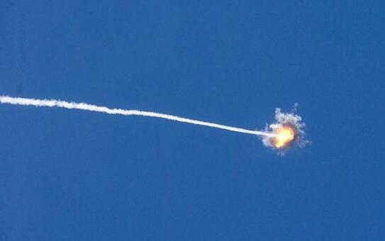 哈马斯射火箭弹打以色列 以方空袭其据点致15伤