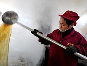 探秘福建百年古法制糖