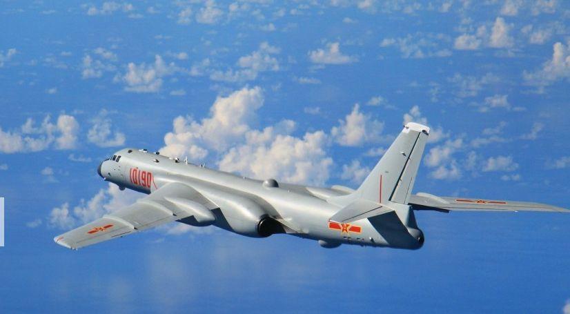 解放军轰炸机挂弹绕飞台湾  霸气喊话获黄安大赞