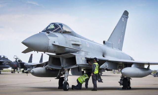 卡塔尔签80亿美元合约 向英国购24架台风战机