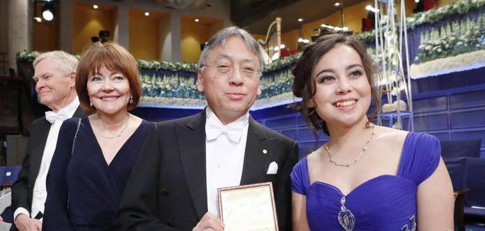日裔英国作家石黑一雄被授予诺贝尔文学奖